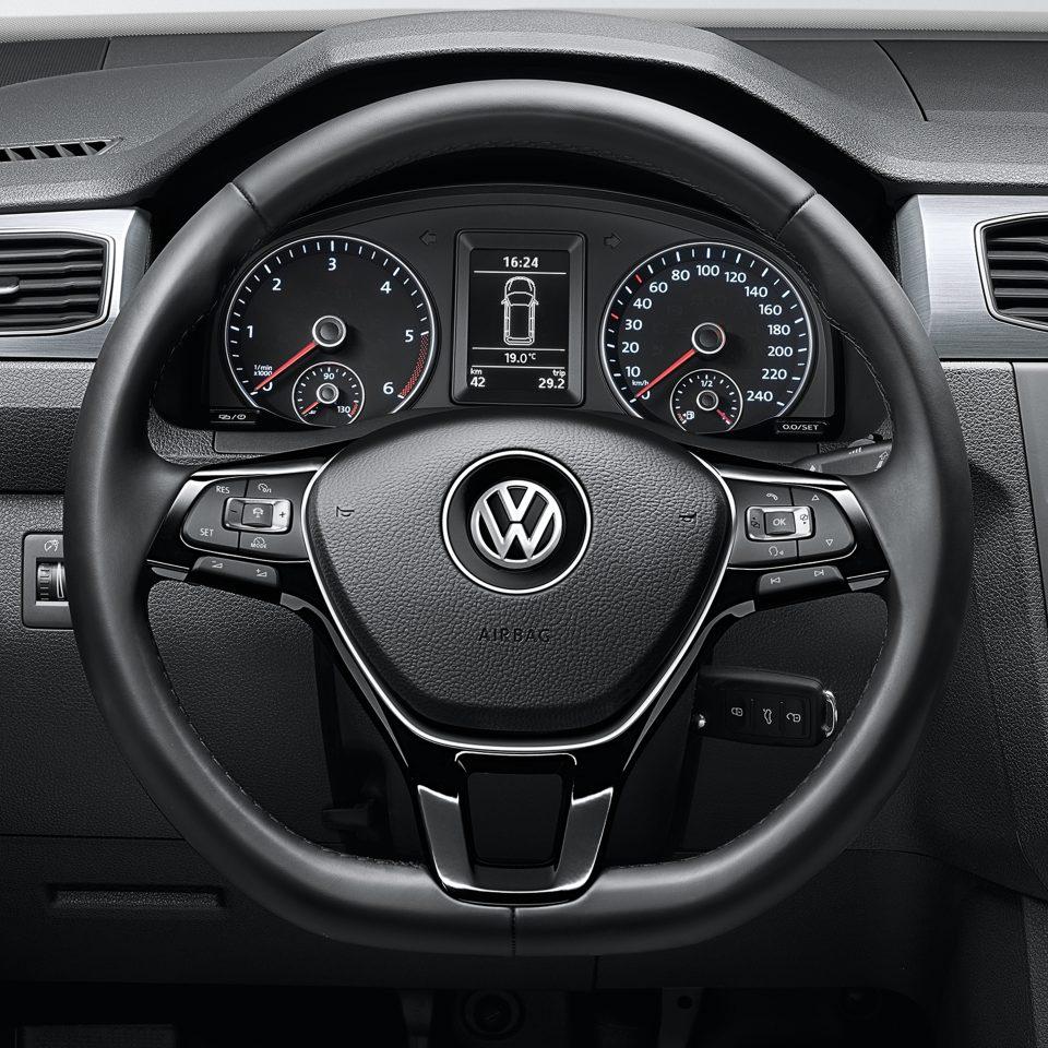 Многофункциональное рулевое колесо VW Caddy