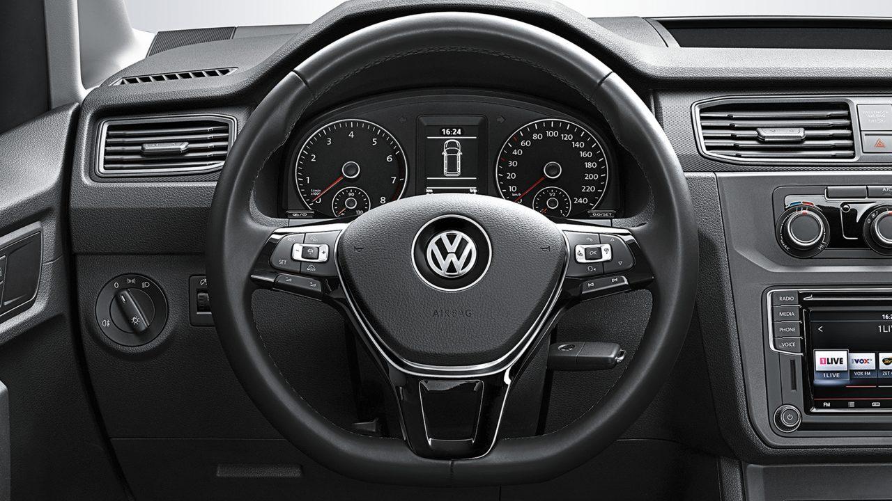 Клавиши на руле в грузовом VW Caddy